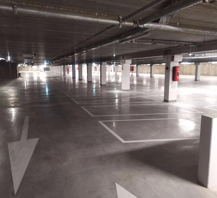 Reinigen ondergrondse parkings